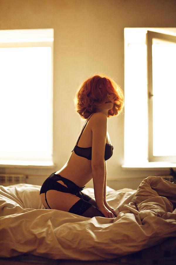 Рыжая девушка сексуальная фото со спины, порно с незнакомым на улице