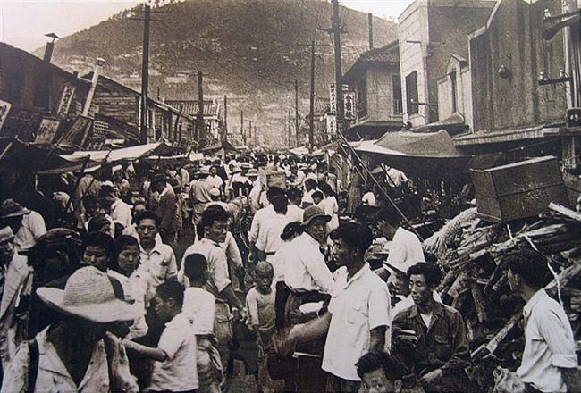 Busan: Public Market (국제시장), 1960's
