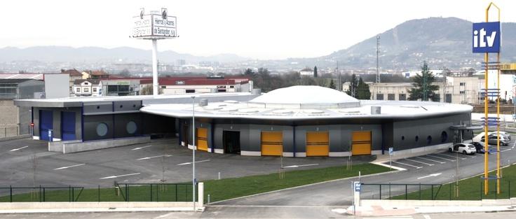 #Puertas industriales de apertura súper #rapida de #AngelMir en instalaciones de la #ITV #Asturias #Spain