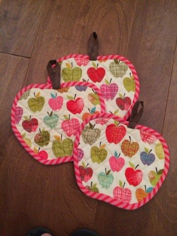 Buttons and Butterflies: Quilted Apple Potholders