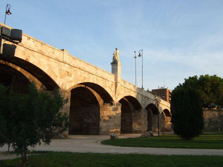 La historia del puente más antiguo de Valencia (el Puente de la Trinidad)