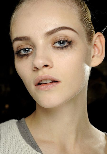 Smudged eyeliner at Louis Vuitton FW 2012