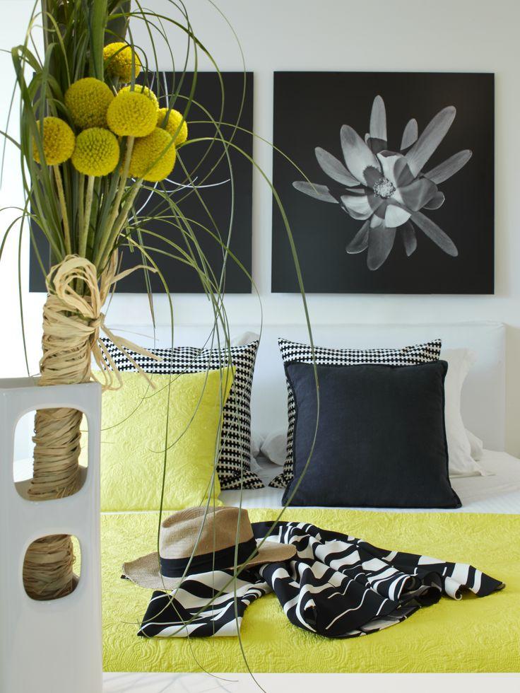 Molins Interiors // arquitectura interior - interiorismo - decoración - dormitorio - principal - suite - complementos - cojines - amarillo