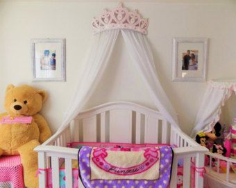25 best ideas about princess beds on pinterest castle bed childrens princess bedrooms and for Chambre princesse disney