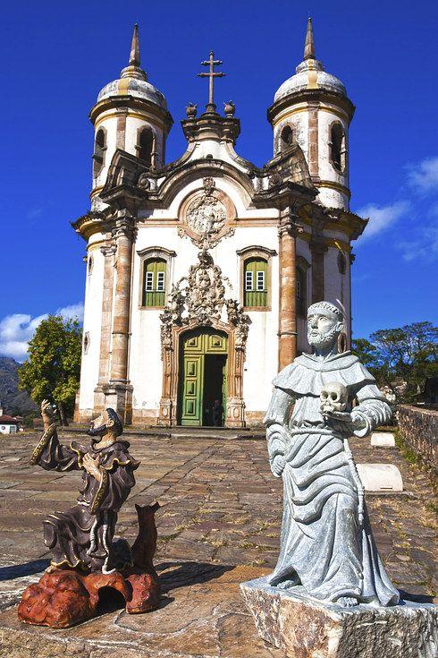 Ouro Preto -   Onde fica: Minas Gerais. Por que você deve ir: se você ama arquitetura barroca e igrejas impressionantes, este é o lugar para estar.