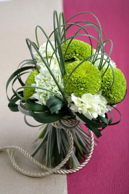 pom bouquet 和装ブーケ || Green & White Contemporary Arrangement Wedding Bouquet