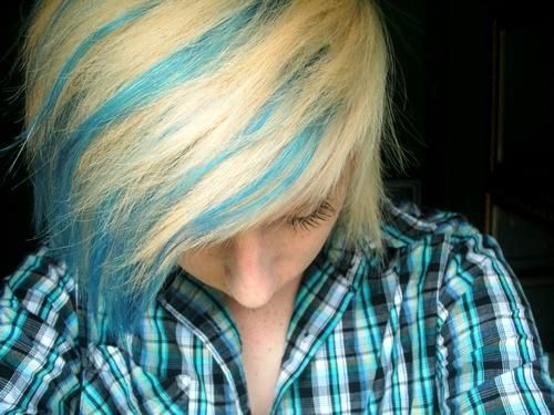 blue and blonde hair