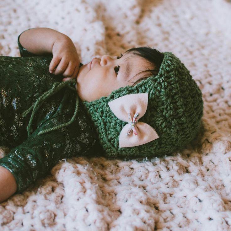 Liberty of London bow, felt bow, baby headband, baby hair clips, baby bonnet, cloth crowns, boho baby style, knit bonnet, Homegrown Knot co, Vi & Jax