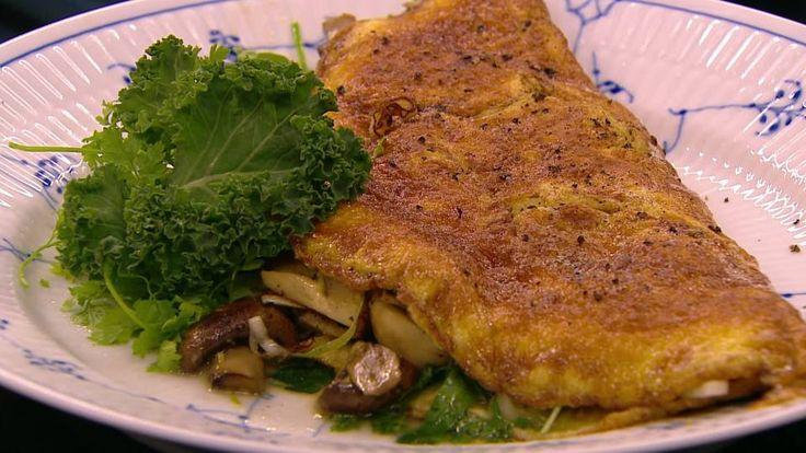 Omelet med osteangreb, svampe og porre   Mad