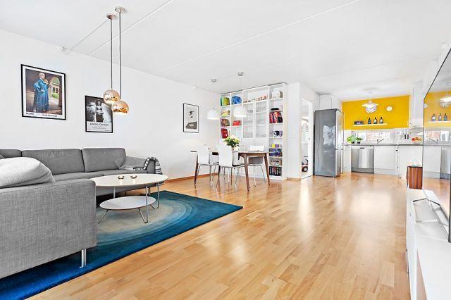 Sagene - Lys og gjennomgående 3-roms med 12 kvm. balkong, garasje og heis. Rolig og attraktiv beliggenhet.
