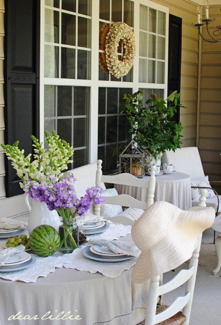 love this table and place settings: Purple Flowers, Flowers Wd, Subtle Colors