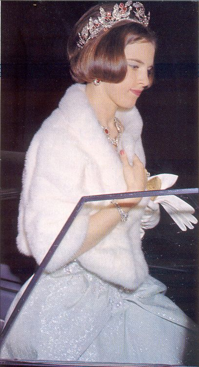 carolathhabsburg:  Queen Anne Marie of Greece and her Diamond-Ruby Parure.