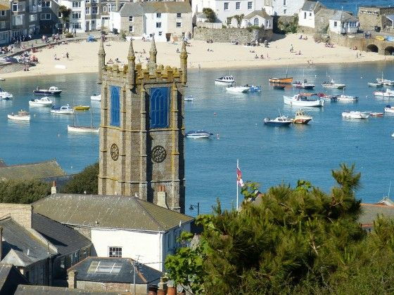 If you've never been to St Ives in Cornwall, then this stunning part of the country 'has' to be on your bucket list.