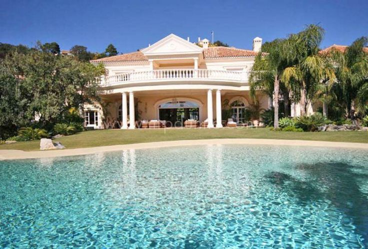 Beautiful mansion for sale in La Zagaleta Golf and Country Club! #Italian style #Villa, with great #Seaviews located in one of the most #exclusive and elite #residential estates of #Europe!  http://www.mpdunne.com/en-MPV1952_villa-la+zagaleta-benahavis.html