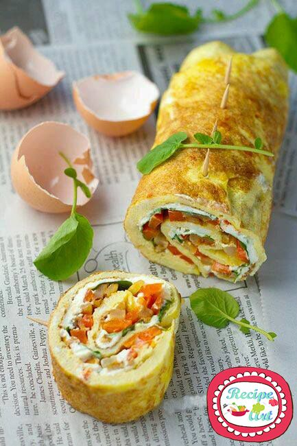 Ratatuile Omelet Roll. PS: The guests are more than expected? Never fear, this same recipe can be prepared in layers and served as a tasty rustic pie with eggs and vegetables! http://blog.giallozafferano.it/recipeart/rotolo-frittata-ratatuile/