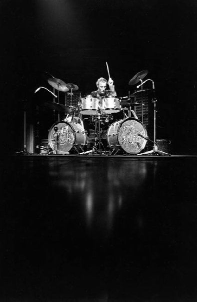 http://custard-pie.com/ Ginger Baker at Cream's last show at the Royal Albert Hall, 1968. My favorite rock drummer, though Carmine Appice runs a close second. I know, Keith Moon and John Bonham were great. But dying young doesn't move you higher up the list.