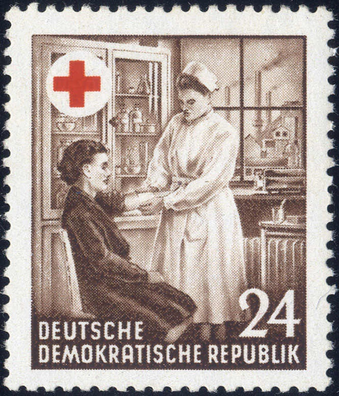 24 Pf. red cross 1953, very rare superb item with XI watermark. And old examination Müller (900,- for *)    Dealer  Fischer Thomas Auktionshaus    Online Auction  0 bid(s)    Startprice:  180.00 EUR  Auction ends at 30.01.2013!