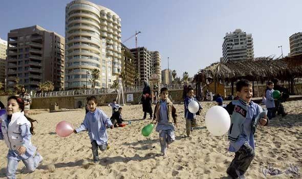 منتجع خليج عدن يثير ضيق مرتادي شاطئ الرمال البيضاء Beach Public Dolores Park