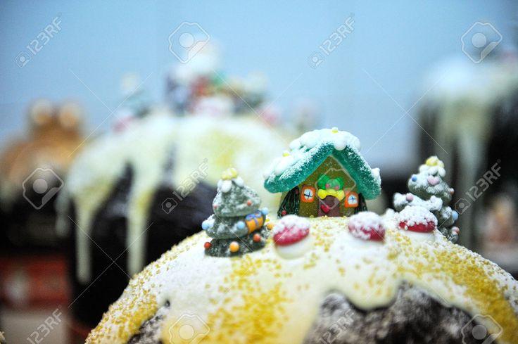Decorazioni Fino A Tradizionale Cioccolato Torta Di Natale Italiano Foto Royalty Free, Immagini, Immagini E Archivi Fotografici. Image 50824846.