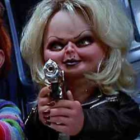 Tiffany with her gun. #brideofchucky #jennifertilly #tiffany #gun #chucky