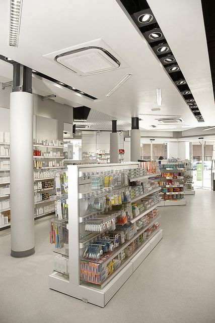 Pharmacy Design | Retail Design | Store Design | Pharmacy Shelving | Pharmacy Furniture | 003 Farmacia Alcalá | Flickr: Intercambio de fotos