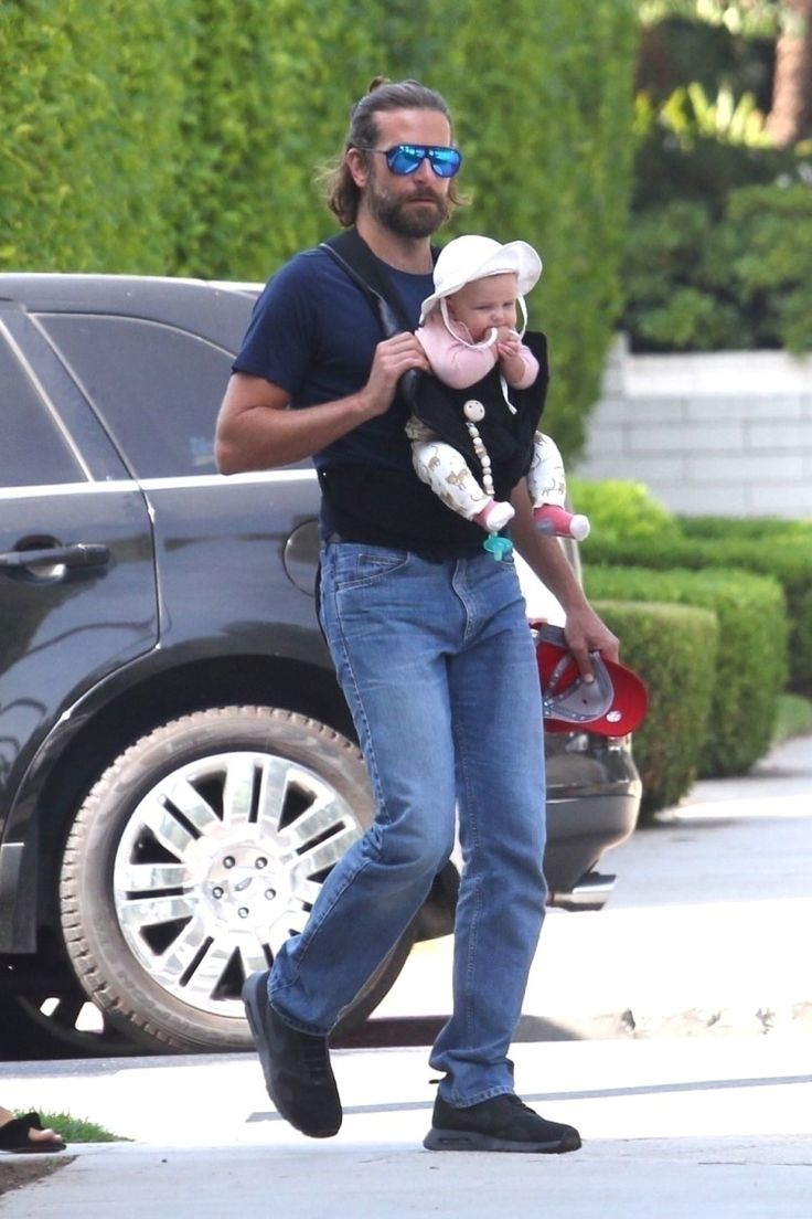 Okay, finally we see the baby! Irina Shayk and Bradley Cooper were spotted on a rare outing since the beauty gave birth to their daughter Lea de Seine in April. And guess what makes this even more ...