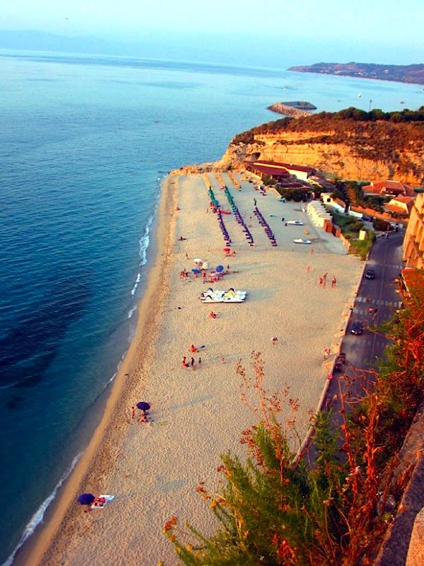 Encore! Life, | ♕ |  Pizzo - Beach at sunset, Calabria, Southern...