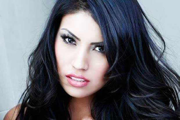 NEWS 1 Sep 2015 By Chris Graham Keywords: ashley callingbull canada first nations kevin rudd stephen harper residential schools scandal stolen generations Ashley Callingbull won her crown based la... http://winstonclose.me/2015/09/02/they-created-a-monster-a-mrs-universe-monster-a-first-nations-mrs-universe-monster-written-by-chris-graham/