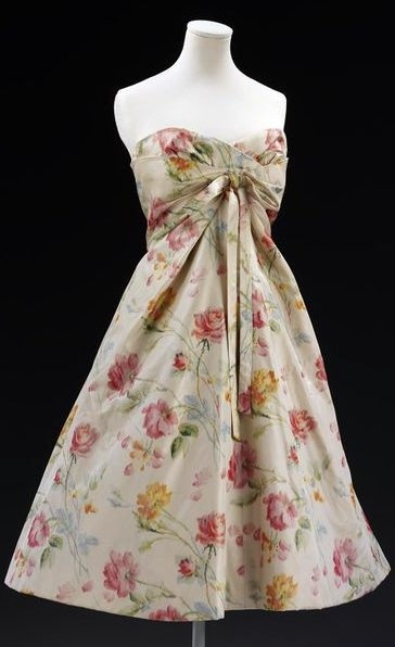 Christian Dior, 'Monte-Carlo' dress - 1956 - House of Dior - Made for Laurie Newton Sharp - Printed silk taffeta, lined with voile, cotton net, boned, nylon - Victoria and Albert Museum Collection, London
