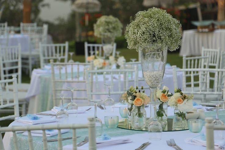 Round table setup,Vintage wedding decor,Blushing Peach flower,Mirror,Green mint lace www.nouadecor.com