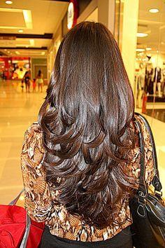 Corte camadas em cabelos longos                                                                                                                                                      Más