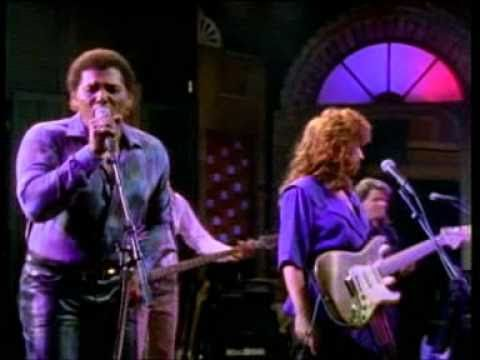 Bonnie Raitt, Aaron Neville and Gregg Allman... Tell It Like It Is. Incredible performance. I need this on my iPod