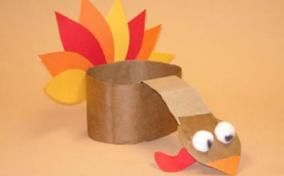 Thanksgiving Crafts for Toddlers- is this a hat? if not i'm making it one.