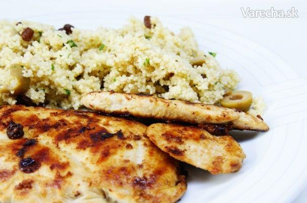 Limetkové kura a kuskus s hrozienkami a olivami