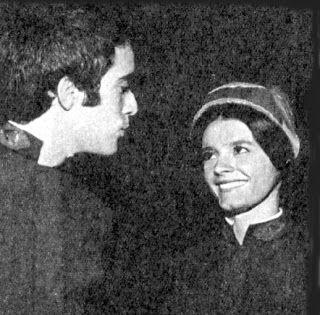 Tony Ramos com Bete Mendes em  Na Idade do Lobo (TV Tupi, 1972), novela de Sérgio Jockyman