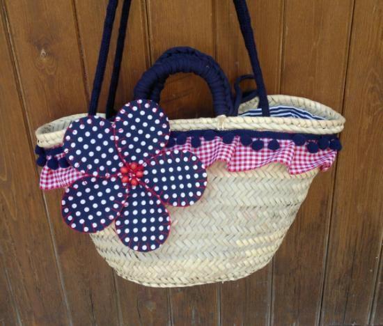 cesta-capazo chic  cesta-capazo de palma,tejidos  trapillo  cordón,madroños cestería,cosido a mano