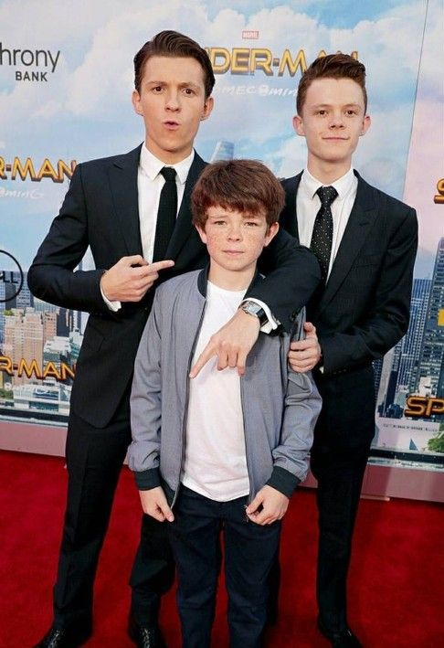 Tom and and 2 of his bros- Harry and Paddy | Tom holland ...