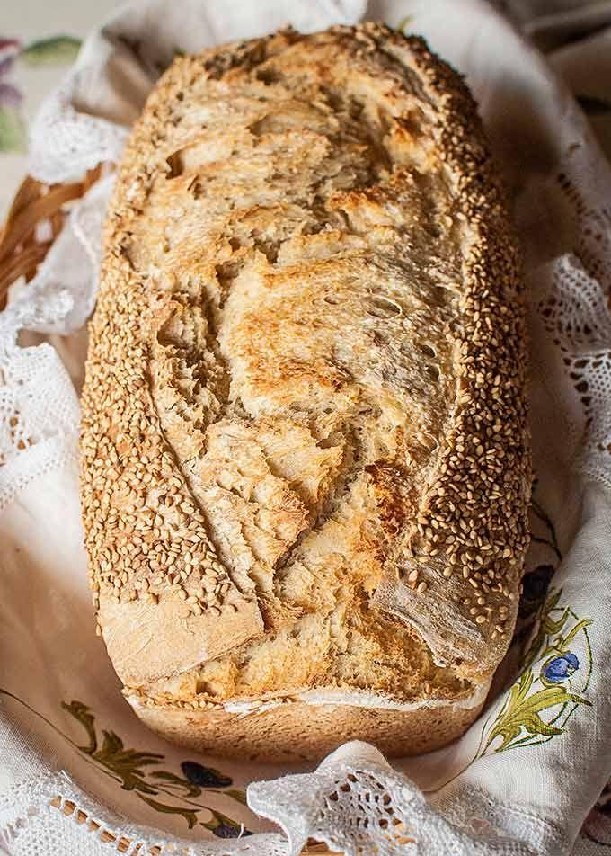 Pan de molde rústico con masa madre