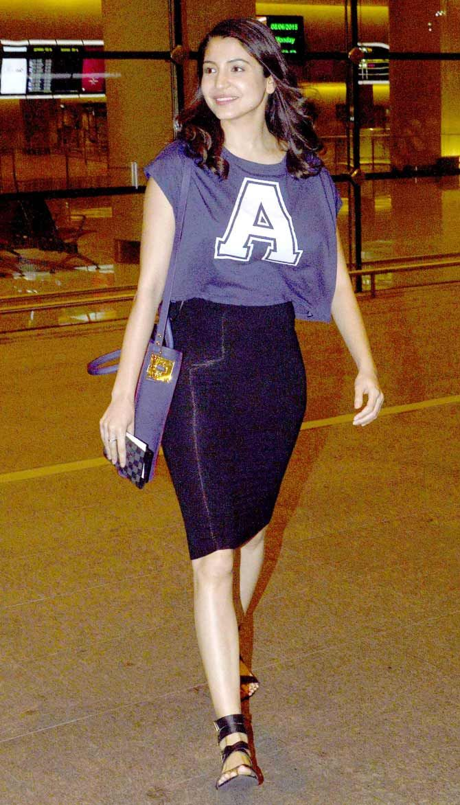 Anushka Sharma spotted at Mumbai airport while returning from #IIFAAwards2015 held in Malaysia.