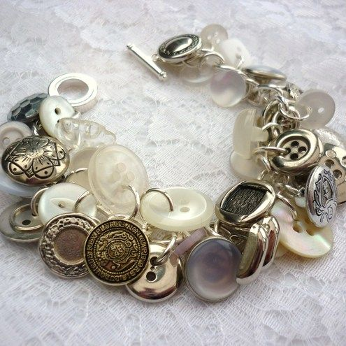 vintage button bracelet...Vintage Buttons, Buttons Jewelry, Charm Bracelets, Buttons Crafts, Buttons Buttons, Button Crafts, Buttons Bracelets, Craft Projects, Button Bracelet