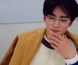 what did i get myself into — yeo1: Pentagon members + glasses