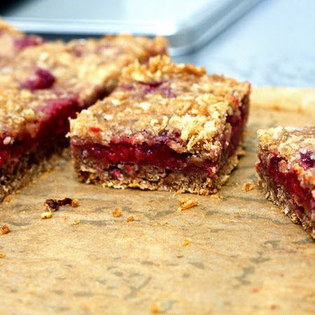 Raspberry Breakfast Bars : Bella and mommy made these and home smells delicious!! Vanilla ice cream and these is heaven!