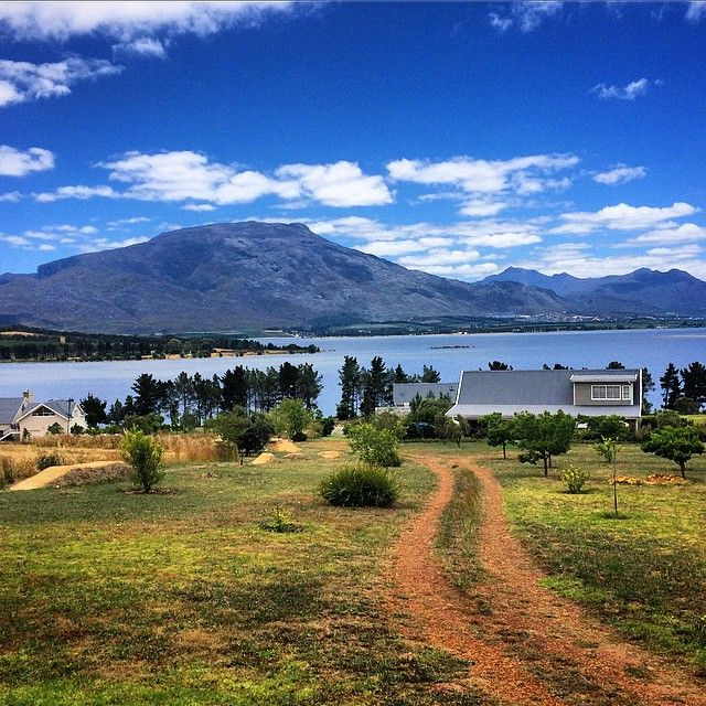 The 25 best small towns in South Africa | SAvisas.com - Villiersdorp | Take a dip in Theewaterskloof dam.