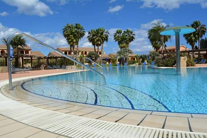 #pool #relaxing #sunnydays ##holidays #hotelandresort #pula #sardegna #lantanalovers #lantanaresort