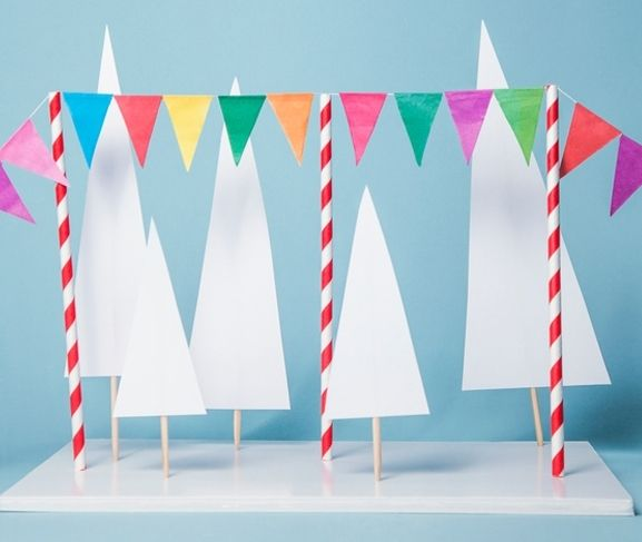 This printable party garland is so cute for the top of a cake or as a centerpiece for a table.  You can even add letters to your banner to make it even more fun.  Thanks for the idea A Subtle Revelry.