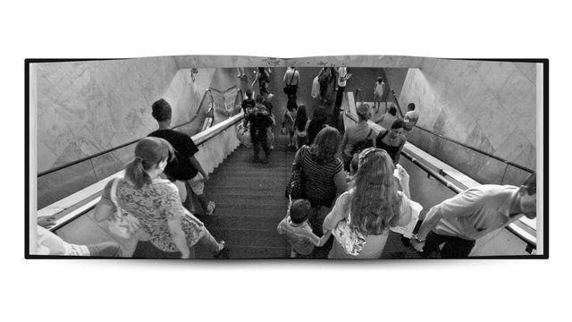 BRASILIA: La Fallida Tierra de Nunca Jamás by DOICHER. Es un ensayo fotográfico, realizado por Mauricio Waisman y prologado por textos de la Dr. Arq. Zaida Muxí Martinez, que intenta reflexionar sobre la relación que existe entre la arquitectura de la ciudad de Brasilia y quienes la habitan.