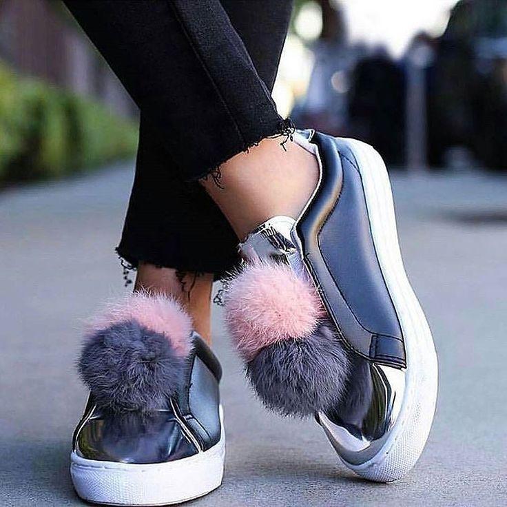 COOMING SOON Próximamente Sneakers Piel Definitivamente uno de los #musthave de esta temporada. No te pueden faltar! Imposible no quererlas YA! Local Belgrano Envíos Efectivo y tarjetas Tienda Online www.oyuelito.com.ar #followme #oyuelitostore #stylish #styles #fashion #model #fashionista #fashionpost #ootd #moda #clothing #instafashion #trendy #chic #girl #trends #outfitoftheday #selfie #showroom #loveit #look #lookbook #inspirationoftheday #modafemenina #sneakers #zapatillas