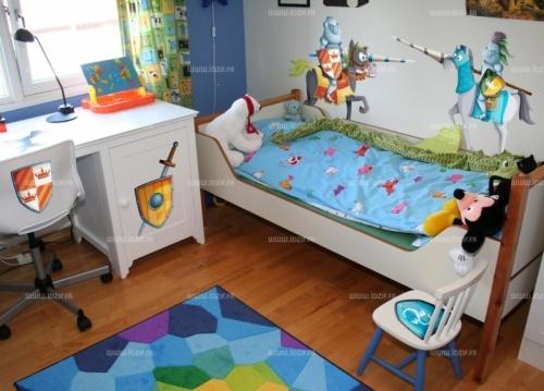 Stickers chevaliers  http://www.idzif.com/idzif-deco/stickers-enfant/stickers-chevalier/produit-stickers-chevaliers-deco-chambre-enfant-1297.html