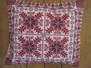 عالم المرأة خداديات مطرزة In 2021 Pillows Quilts Blanket