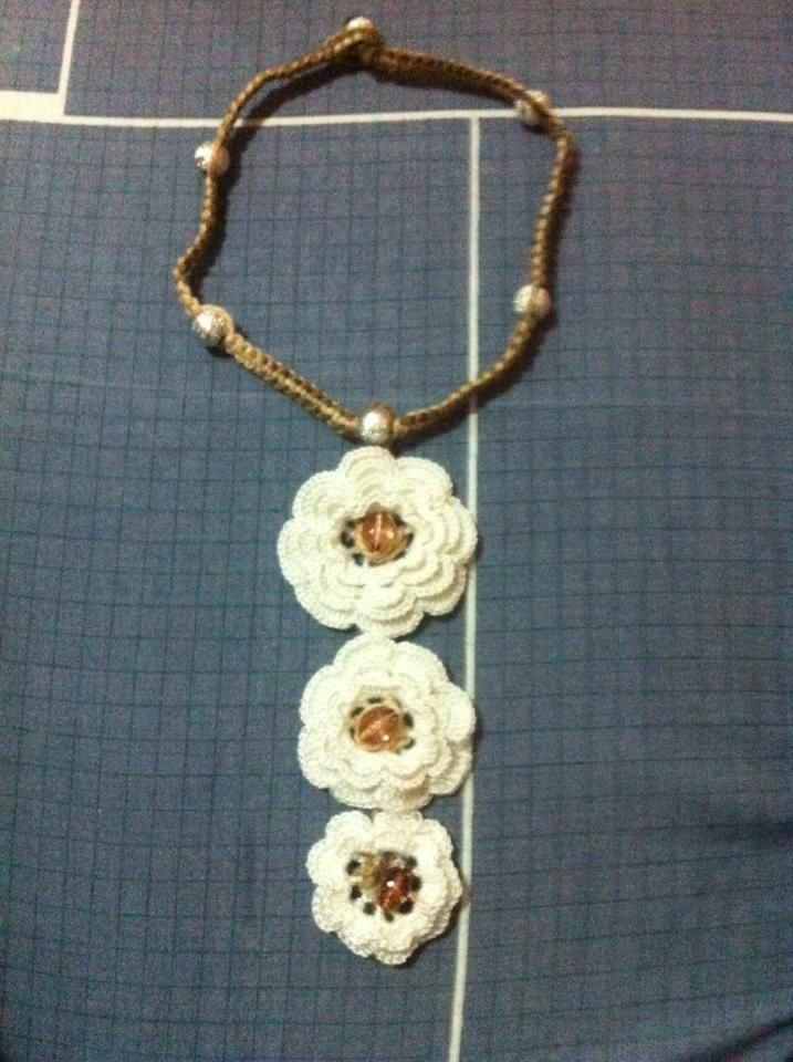 Collar largo tejido en crochet